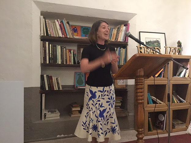 Poetry Café Bellas Artes: Winona LInn